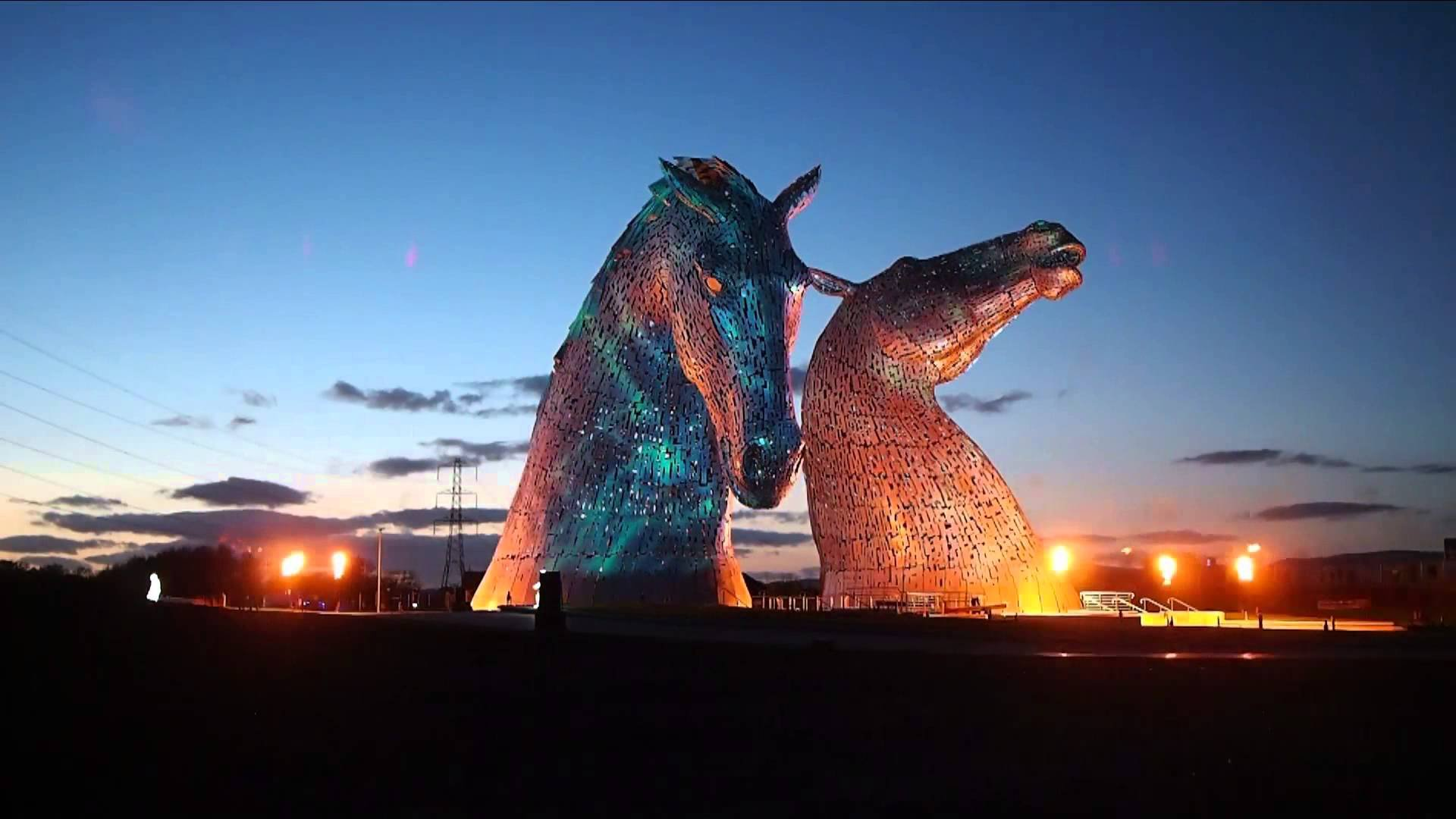 the-kelpies-horse-heads-open-in-scotland-wallpaper.jpg