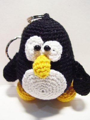 tux_the_linux_penguin_doll_by_nissie.jpg
